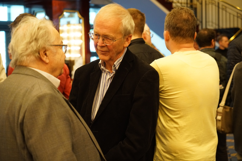 Immer freundlich zu jedermann: Der Schachlehrer der Nation, Dr. Helmut Pfleger