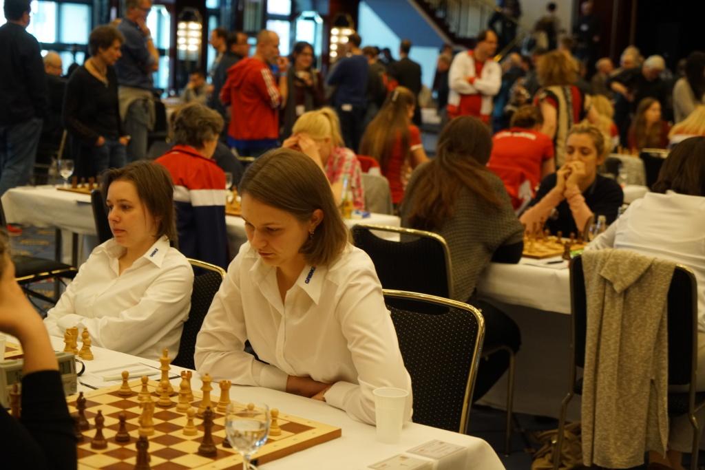 Die Muzychuk-Scwestern: Mariya (l.), Anna (r.), amtierende Blitz- und Schnellschach-Weltmeisterin!